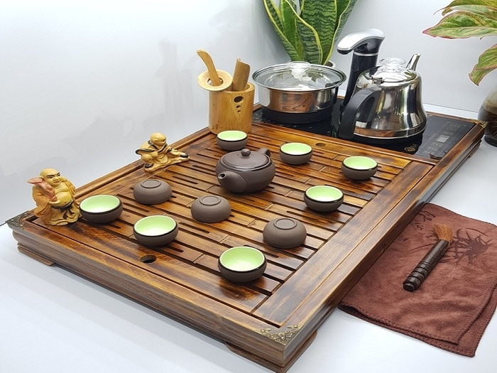 Bàn trà điện bằng gỗ đang được rất nhiều người yêu thích và sử dụng