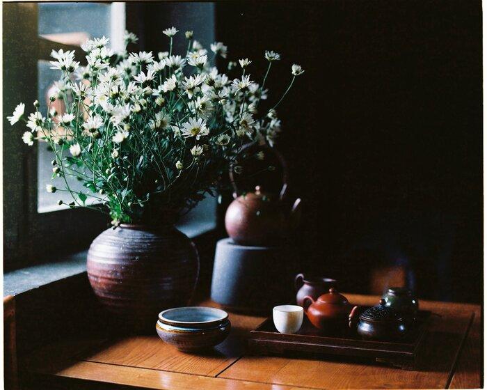 Chiếc bàn sẽ giúp phòng khách gọn gàng hơn, đẹp hơn